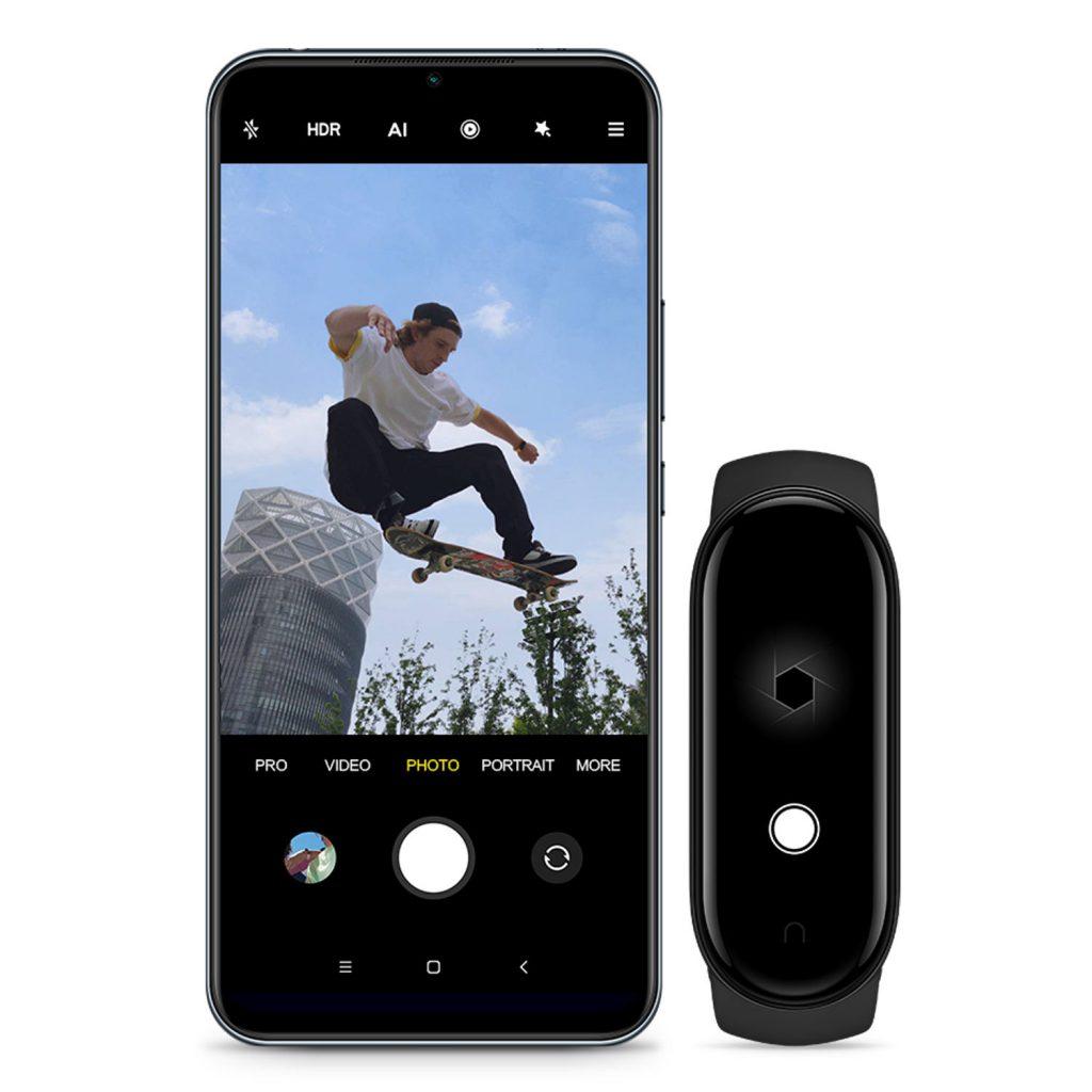 دستبند سلامتی شیائومی مدل Xiaomi Mi Smart Band 5 2021 XMSH10HM پک گلوبال